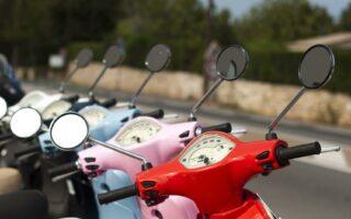 Salon de la moto de Milan: les scooters passent à la vitesse supérieure
