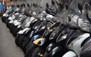 Les motards ne devront pas payer 135 € pour stationnement « très gênant »