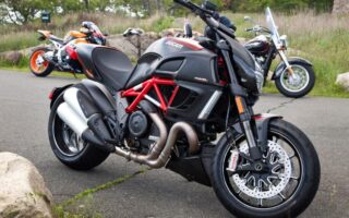 La Ducati Diavel Carbon relookée