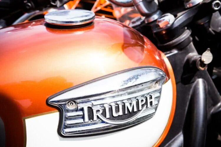 Triumph va dévoiler demain sa « beauté fatale », une moto néorétro