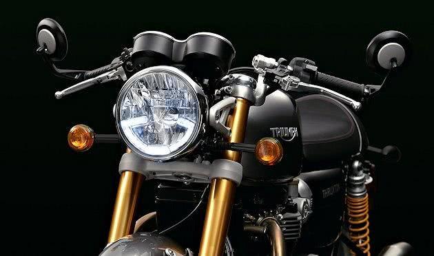 Triumph présente ses Truxton R et Bonneville T120