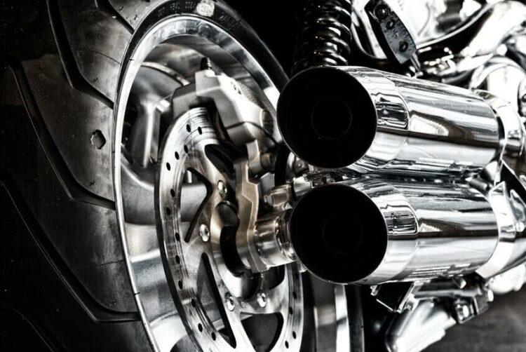 Les deux-roues menacés par la lutte contre les nuisances sonores?