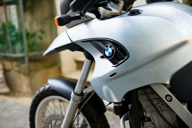 On peut désormais louer une moto chez Hertz