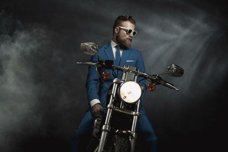 Cancer de la prostate: 50.000 motards en tenue chic roulent pour lever des fonds