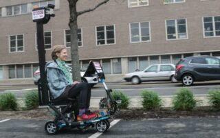 Après la voiture, découvrez le premier scooter autonome destiné aux personnes à mobilité réduite