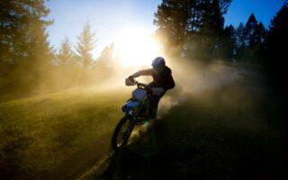 Assurance moto: des primes surprenantes selon votre type de deux-roues