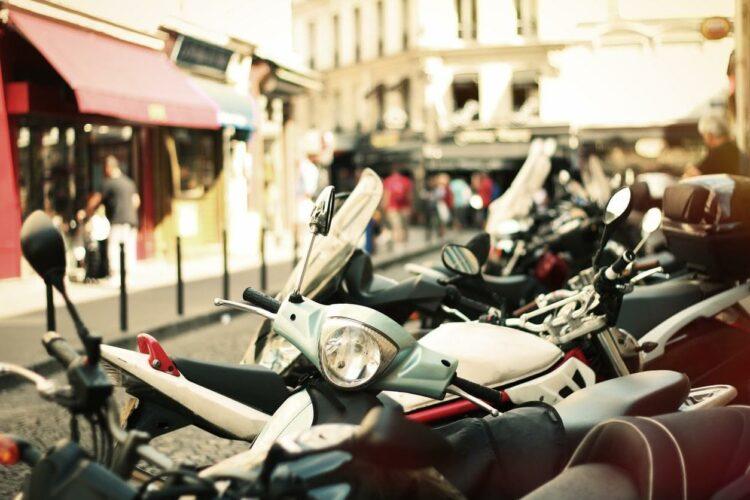 Ile-de-France: vers le stationnement payant pour les deux-roues