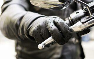 Pechdo, le gant de motard en cuir qui se lave à l'eau