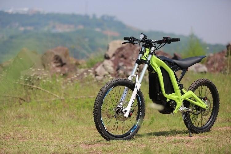 Moto électrique: Luna Cycle vend la Sur Ron, moitié VTT moitié enduro