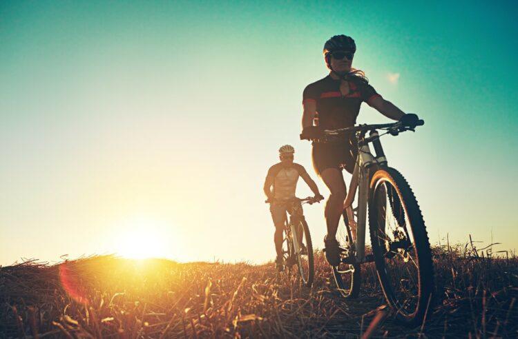 Sécurité routière: Ford invente une veste intelligente pour cyclistes