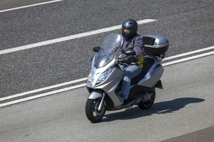 Marché de la moto: Peugeot remonte en selle