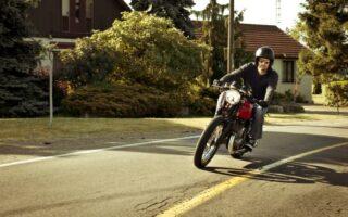 Assurance moto: bien choisir sa garantie assistance