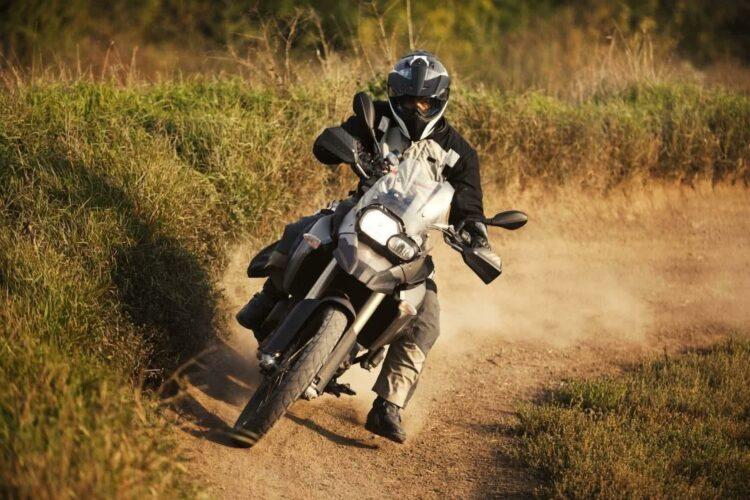 Assurance trial, moto-cross ou enduro: réduire le coût