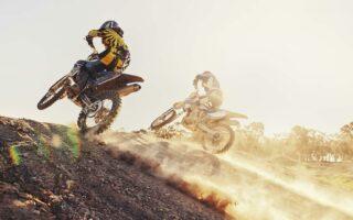 Assurance moto-cross: réglementation et contrats spécifiques