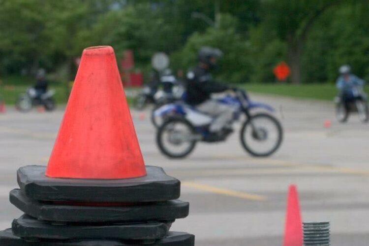 Litige commercial ou pédagogique avec sa moto-école: comment agir?