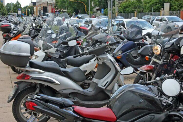 Passer son permis moto à l'étranger