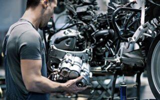 Réduire sa consommation de carburant à moto | lesfurets