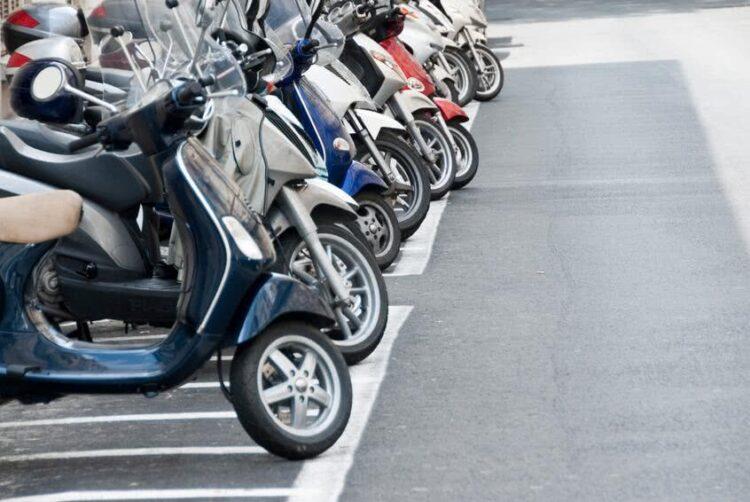 Quelles différences entre l'assurance scooter 50 et 125cc?