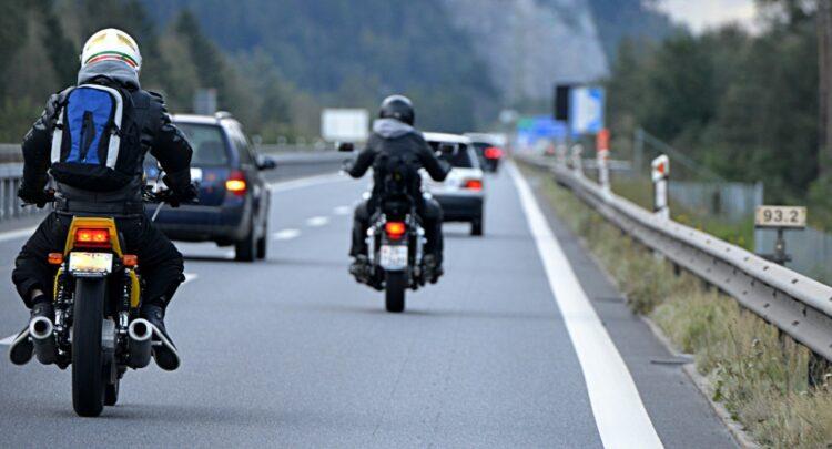 L'autoroute à moto: quelques règles de sécurité