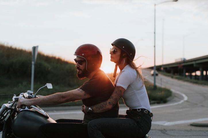 Situation maritale: pourquoi lorsque vous souscrivez une assurance moto, on vous demande si vous êtes marié?