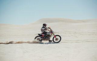 Sur quels points faut-il s'attarder pour la location d'une moto cross?