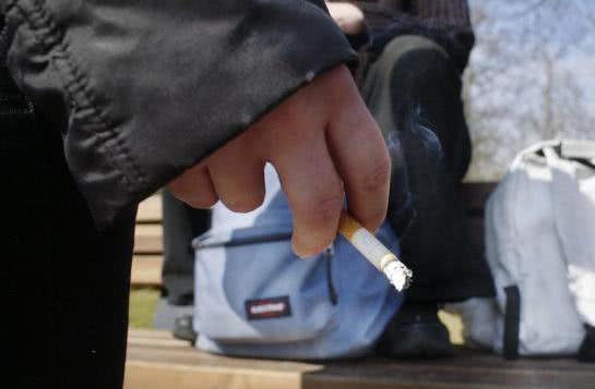 Cancer du poumon: des médecins réclament un dépistage systématique pour les fumeurs