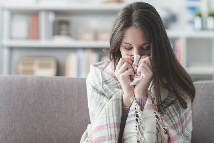 Rhume: 11 médicaments sans ordonnance interdits de publicité