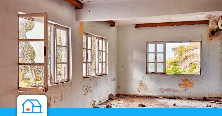 Maison détruite: puis-je suspendre les mensualités de mon emprunt?