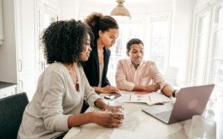 Signature électronique: comment valider son prêt immobilier depuis son ordinateur?