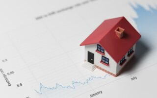 Immobilier: pourquoi les taux d'intérêts sont si bas?