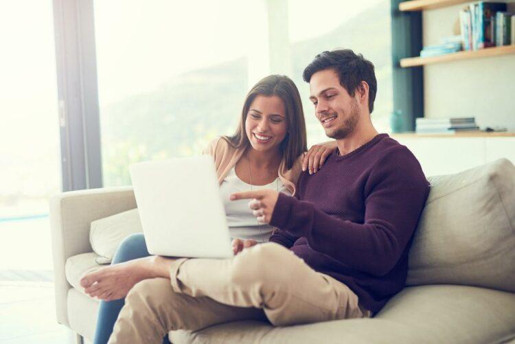 Achat immobilier: 8 Français sur 10 consultent internet avant