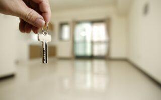 Immobilier: transformer des bureaux en logements, une opération délicate
