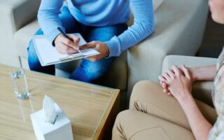 Psychiatre, psychologue, psychanalyste et psychothérapeute: quelles différences?