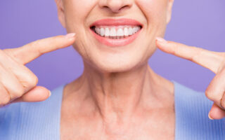 Implants dentaires, oui mais à quel prix?