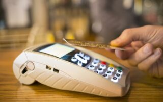 Carte bancaire: le sans contact fonctionne encore après opposition