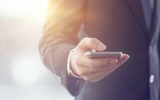 Carte bancaire: vers la fin du SMS pour valider un achat?