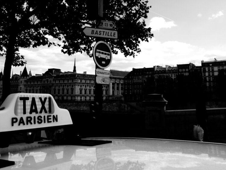Carte bancaire: que faire si un taxi vous refuse ce moyen de paiement?