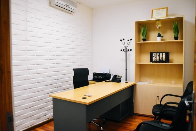 Jak urządzić domowe biuro meble