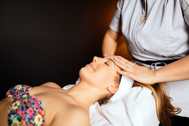 Drainage Massage In Face The Aesthetic Benefits | Massage Rx