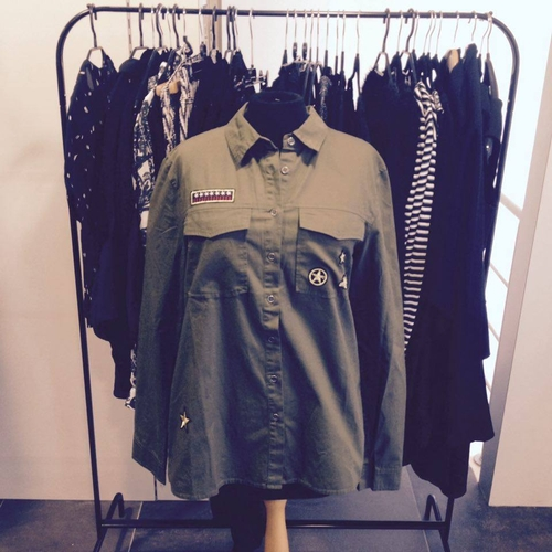 Army style, blouse. Enkel nog in L en XL
