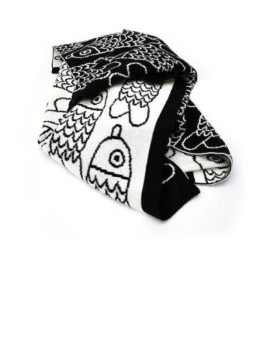 Ted & Tone Black & white knitted blanket