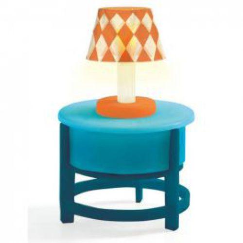 Lamp op tafel voor poppenhuis