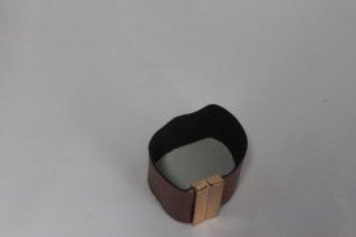 bruine lederen armband 4cm -magnetische sluiting