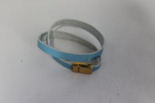 licht blauwe lederen armband 1cm -magnetische sluiting