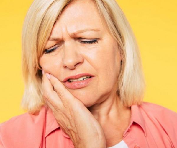 9 Signs your denture needs replacing