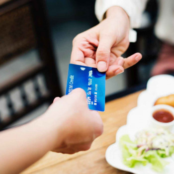Do You Have These Bad Credit Card Habits?