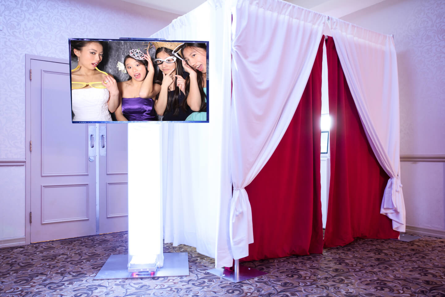 White Photo Booths