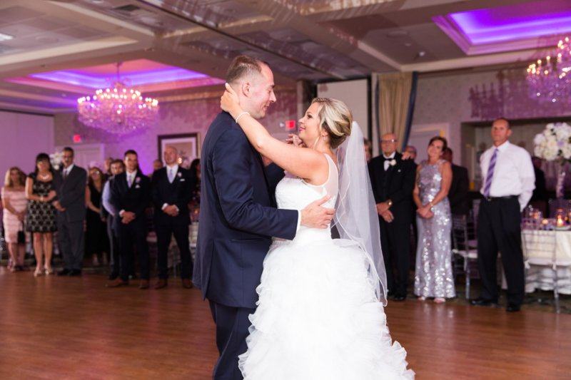5 Reasons To Hire A Professional Dj Rather Then Friend For Your Wedding