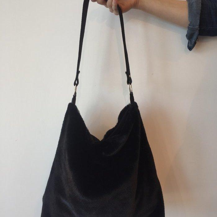 Vitamia Fluffy bag Tas (Nero)