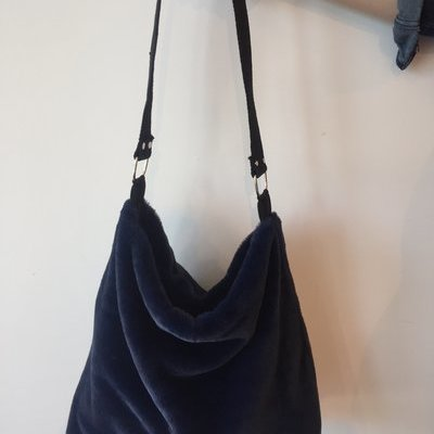 Vitamia Alles over lingerie weten Fluffy Bag Tas